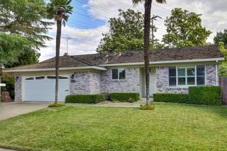 8478 Lake Forest Drive