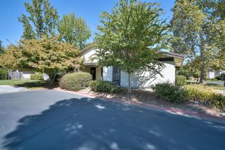 2302 Summerfield Court Unit 6