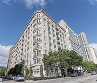 3400 North LAKE SHORE Drive Unit 7D