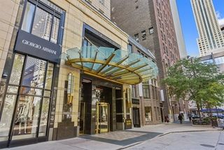 800 North Michigan Avenue Unit 3301