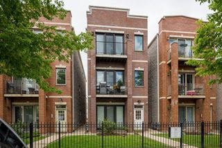3444 North narragansett Avenue Unit 3