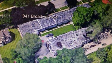 927 Broadway Avenue