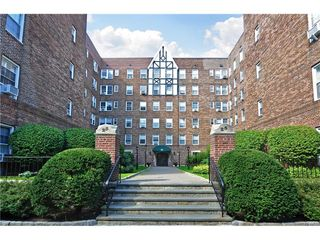 25 Parkview Avenue Unit 2I