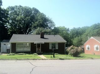 1117 Woodleigh Circle