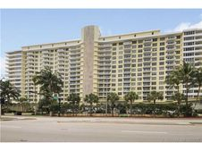 5600 Collins Ave Unit 9S