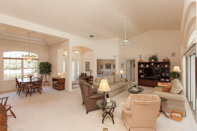 25 Corning Ct, Palm Coast, FL 32137 - MLS# 880903 | Estately