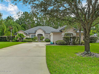 201 Ivy Lakes Dr