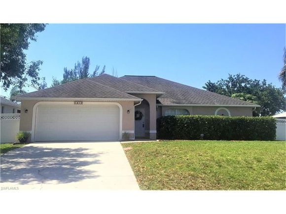 1418 SW 11th Place
