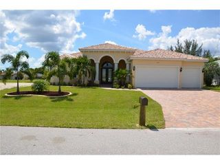 4126 SW 12th Place