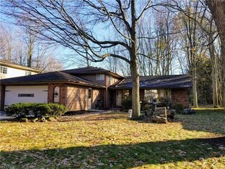 27933 Forestwood