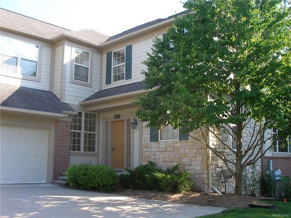 3772 Winding Brook Circle Unit 16