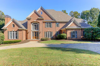 810 Fairway Oaks