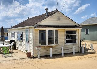 3345 Seaview Road